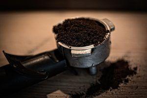 Qué pH tienen los posos de café